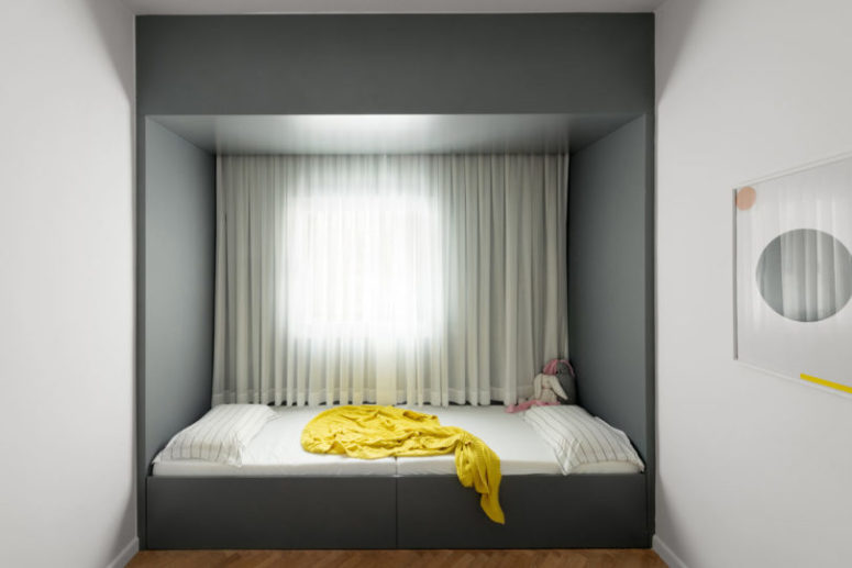 Two kids can sleep here, in this built-in bed, so the child can invite guests