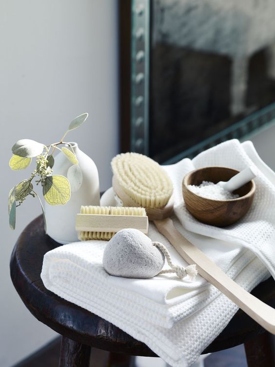 chic bathroom accessories will add a spa-liek feel to your bathroom