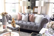 19 brass touches, a large mirror, faux fur – here you can see everything done right