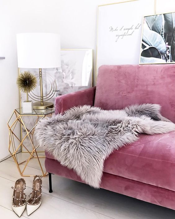 Girlish Touches Are The Most Popular For Glam Style, This Pink Sofa Is A  Great