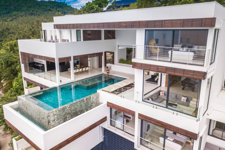 01-This-modern-waterfront-villa-is-built-on-a-rock-with-horizontal-geometry-and-with-gorgeous-sea-views-775x516 Modern Thai Villa That Captures Sea Views