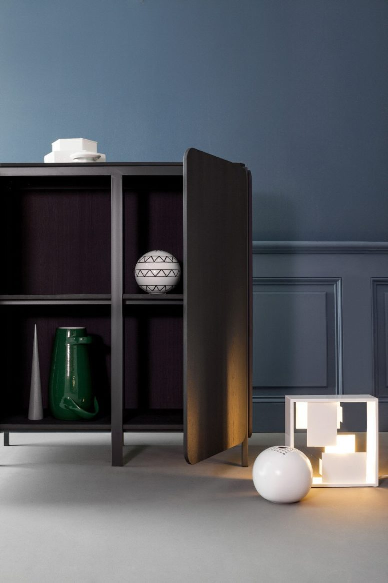 The inside of the sideboard is also contrasting to make the sideboards non-traditional