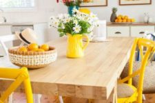 colorful accents to spruce up the kitchen