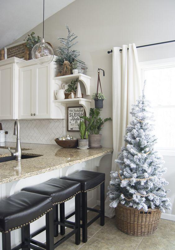 25-cozy-farmhouse-christmas-decor-ideas-cover 25 Cozy Farmhouse Christmas Decor Ideas