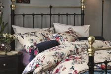 14 floral bedding is classics and looks amazing, very chic and inviting