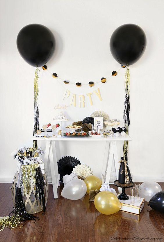 20-a-gold-sequin-letter-garland-for-decorating-any-space-at-home 27 Decor Ideas For An Ultimate New Year Party