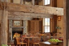 21 natural wooden beams, floors and even furniture in warm shades is truly barn-like