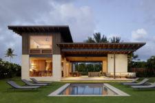 01 This amazing indoor and outdoor home is in the Hawaiian islands
