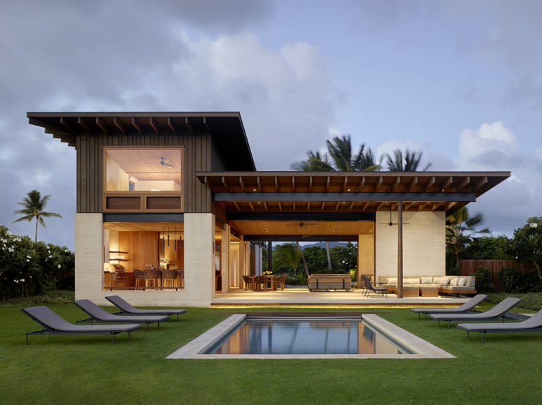 This amazing indoor and outdoor home is in the Hawaiian islands