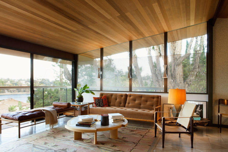 Mid-Century House Decorated With Impeccable Taste