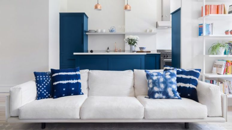 Blue And White Rowhouse With Modernist Furniture