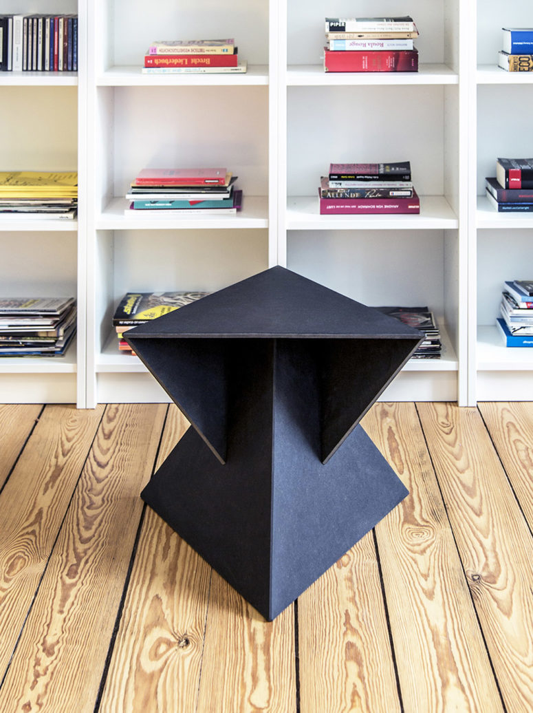 This minimalisic aesthetics allows perfect stability though the table doesn't look very stable