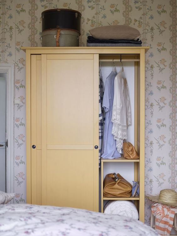 24 best ikea wardrobe and closet hacks digsdigs - Sliding door wardrobes for small spaces image ...