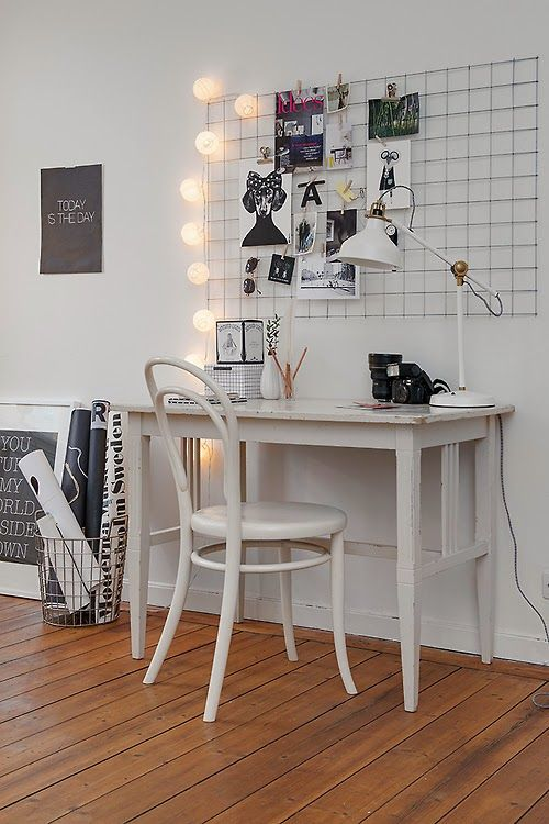 a grid with lights on one side to use it as a pinboard will bring a touch of Scandinavian style