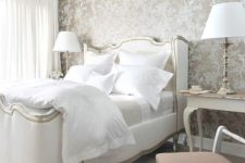 25 elegant metallic wallpaper with a floral print for a refined and chic bedroom