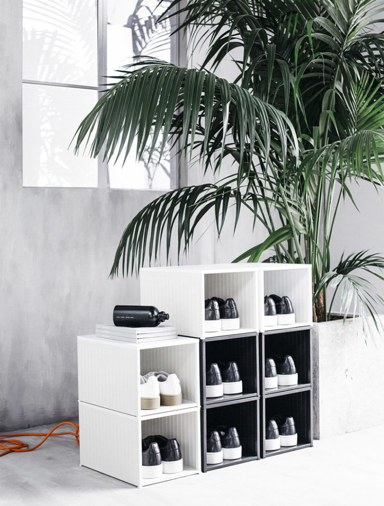 The design is monochrome and the style is minimalist, here a shoe cabinet