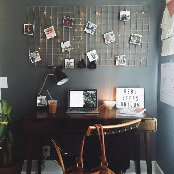 25 ideas to use string lights in home offices digsdigs for How to decorate desk in office