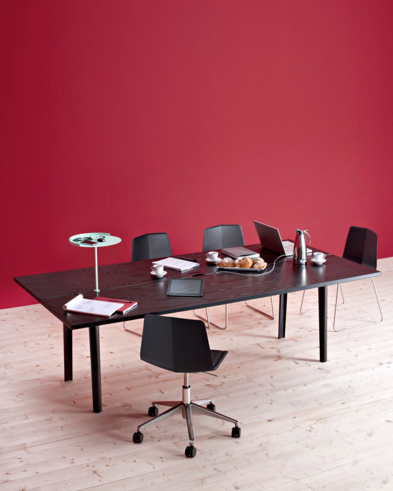 It can be used for meetings and working together at offices