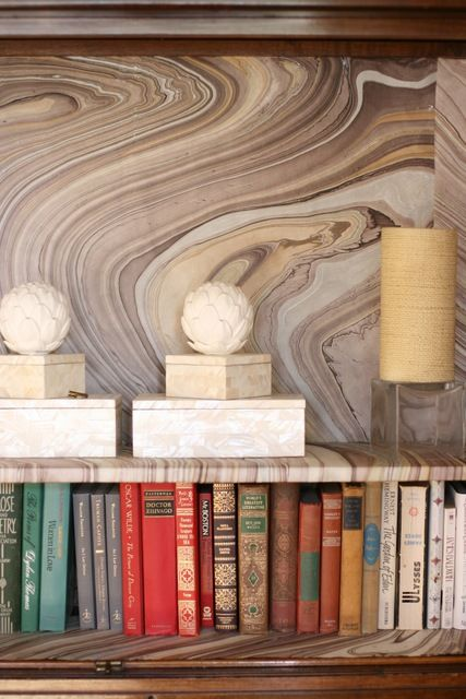 agate wallpaper can be not that bold but very eye-catchy due to the print