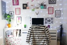 12 a whole wall covered with string lights makes the workspace glam, personalized and enlightened, no lamps needed