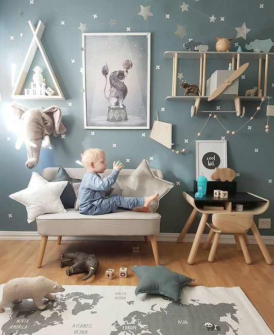 a map rug will inspire your kid to travel and is ideal for a travel-themed room