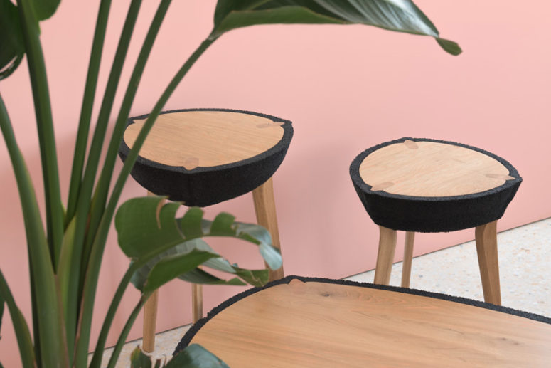 The tables have a contrasting look thanks to that and catch an eye