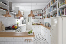 03 Large and long shelves take two walls, and some colorful touches enliven the kitchen