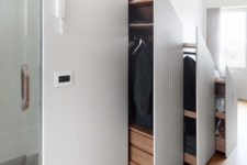 05 And to fit several storage drawers, which is a very smart solution