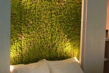 08 a lit up moss wall in the bedroom will make a stylish statement and a bold look at once