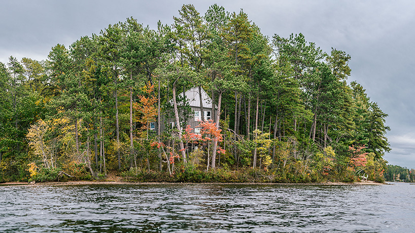 This is how the house looks from the lake side