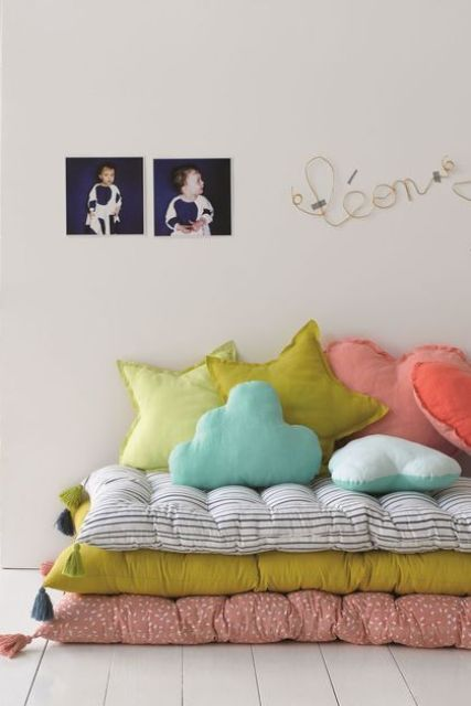 color can be added with bold textiles, too, these can be pillows and mattresses, for example
