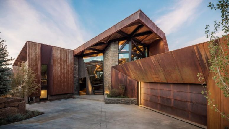 This Colorado residence features unique architecture, a bold triangular shape and a chic use of metal