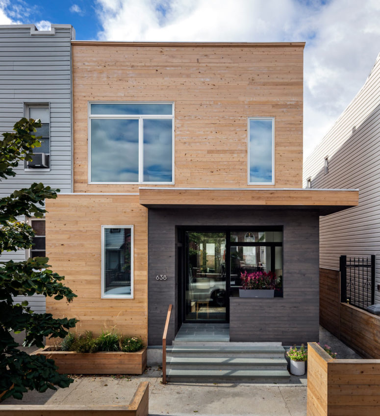 Wood Frame Townhouse That's Only 20 Feet Wide
