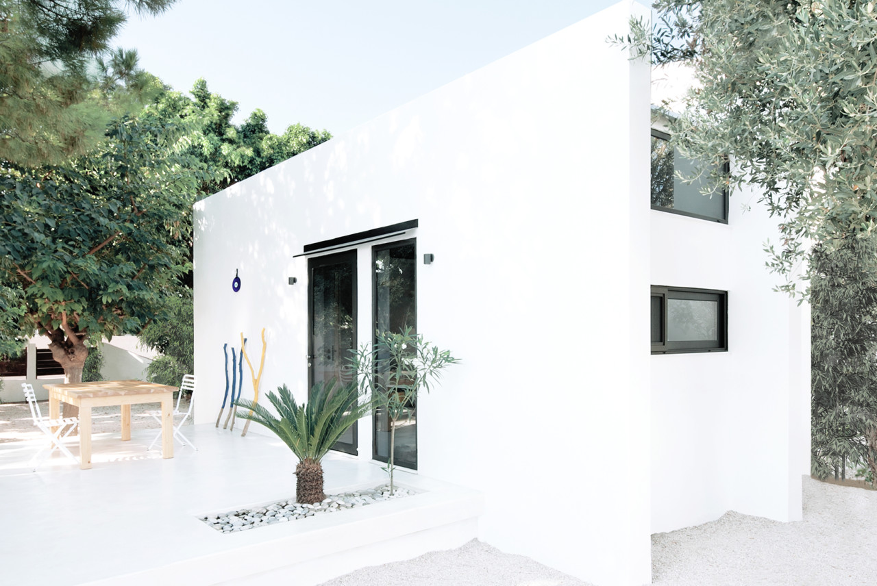 This ultra minimalist vacation home is called Monocabin and is located on Rhodes island, Greece