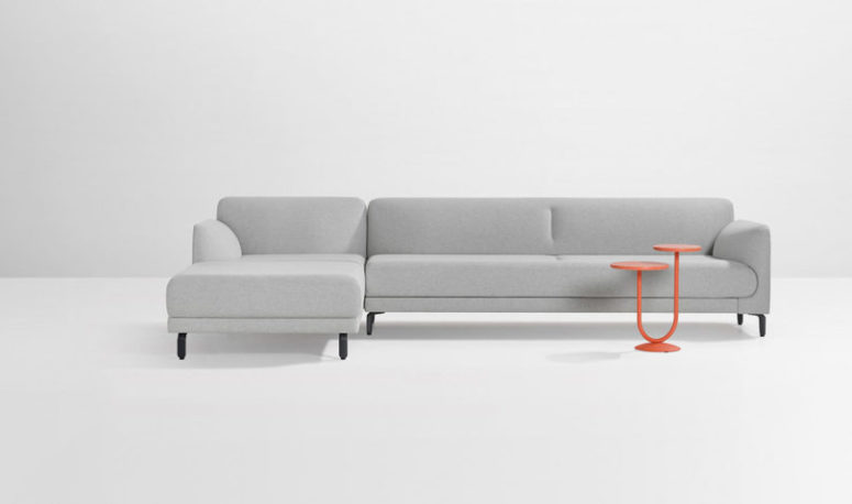 Figura sofa is a highly customizable piece, and you can choose every detail and material here to create your own one