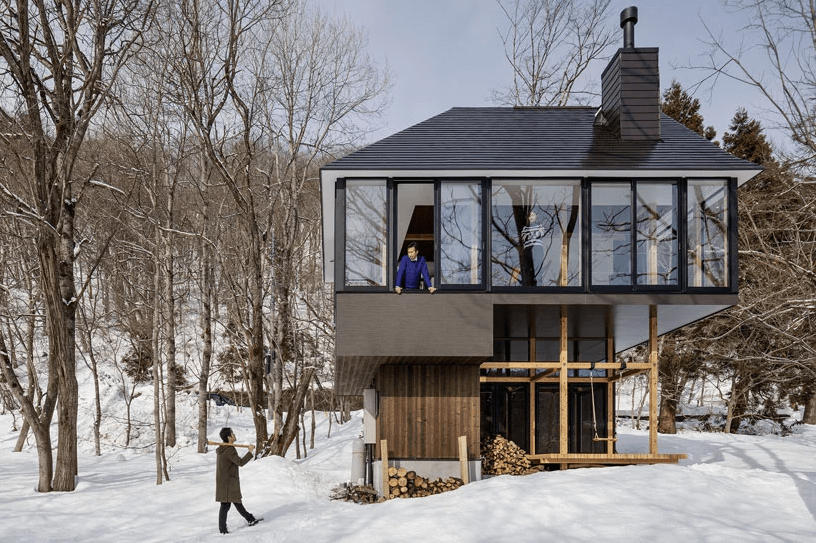 The house architecture encourages living amidst nature and communicating with it