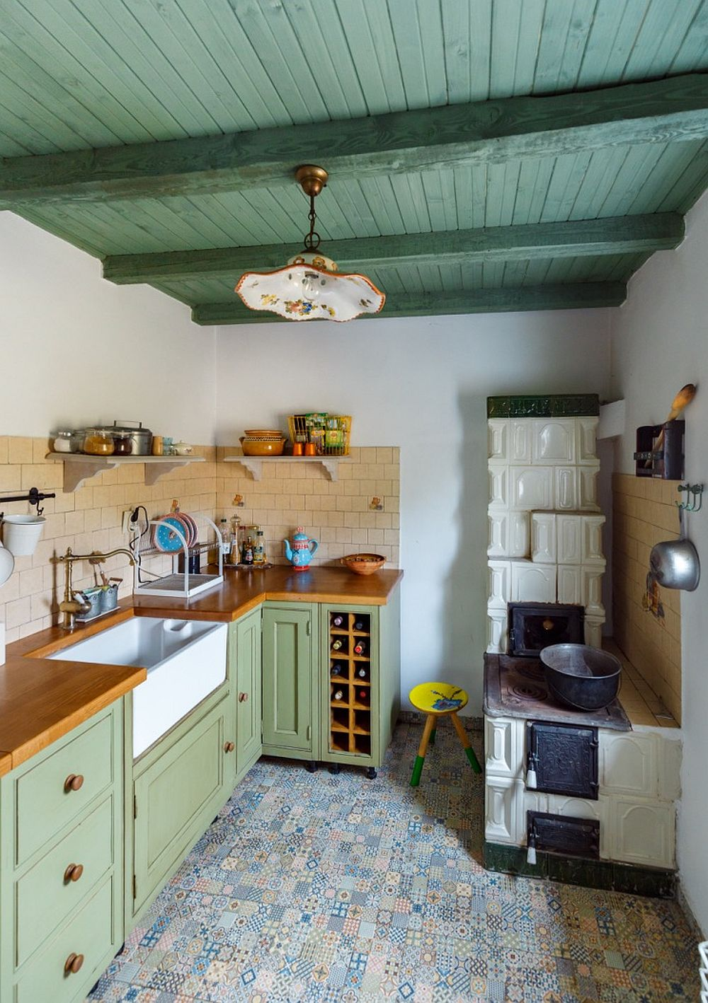 The hearth in the corner can be used for cooking, it's not only a decor element