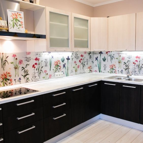 Kitchen Wallpaper Backsplash: 25 Wallpaper Kitchen Backsplashes With Pros And Cons