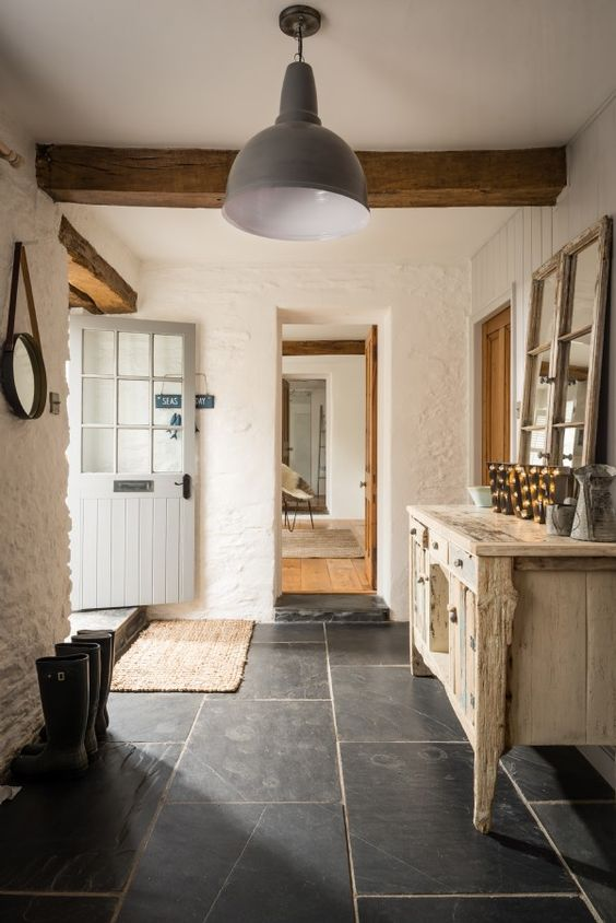 stone floors are ideal for country chic and vintage spaces, they perfectly complement them