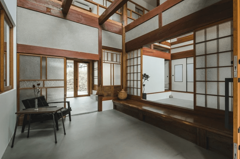 The traditional Japanese decor was renovated and updated with contemporary touches and items