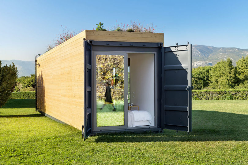 The bedroom end can be opened to outdoors or closed for privacy