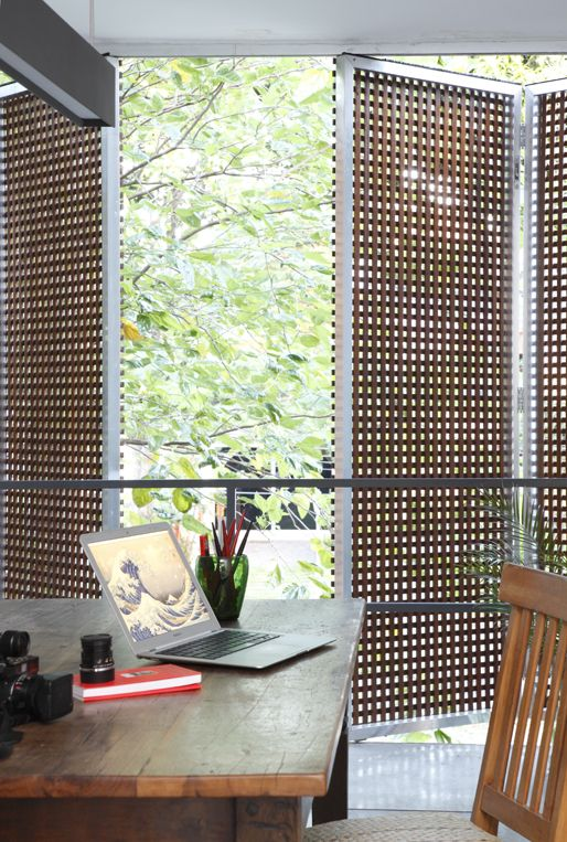 open your inner spaces to outdoors using such foldable wood lettice screens