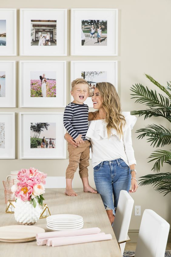 use your family photos to create a gorgoeus and inspiring gallery wall