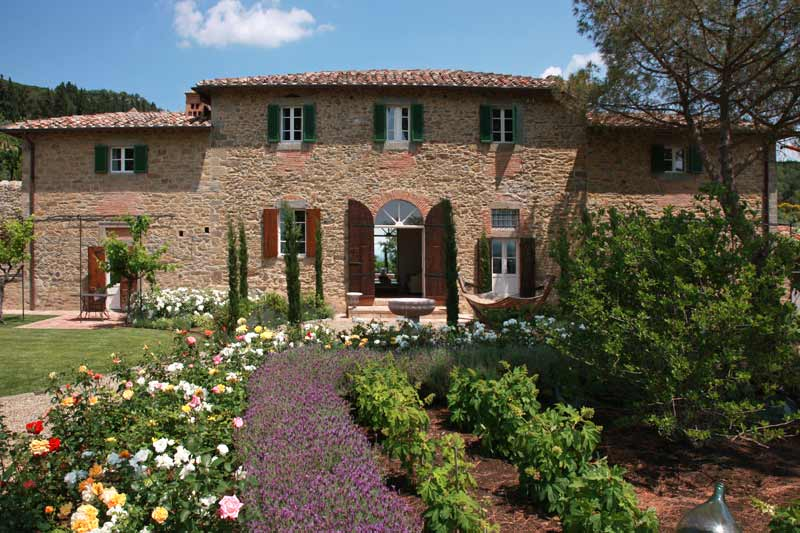 This traditional Tuscan villa was restored in 2006 and retained its original charm