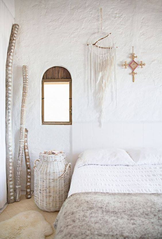 white plaster walls are an amazing idea for a rustic or boho space