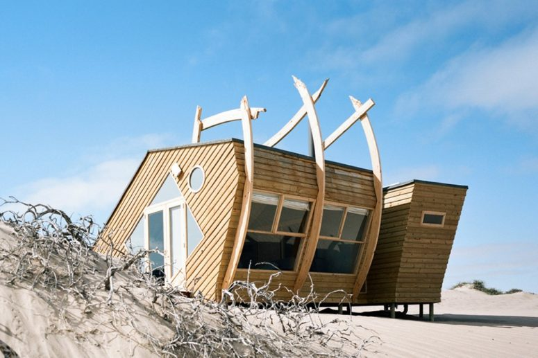 The Shipwreck Lounge is a small coastal home in Namibia that is inspired by shipwrecks and sea creature skeletons