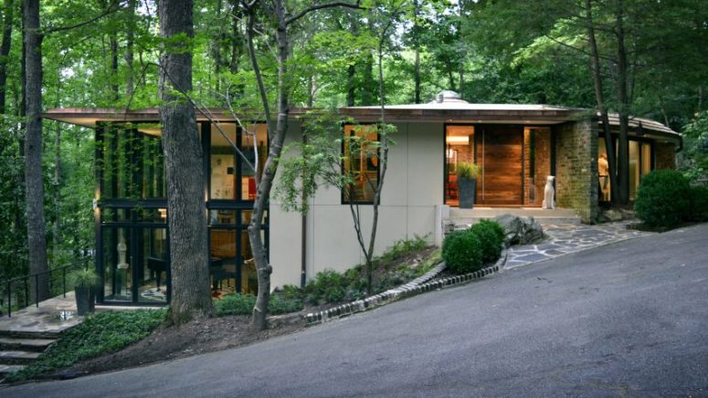 Bright And Stylish Modernist Home In The Forest