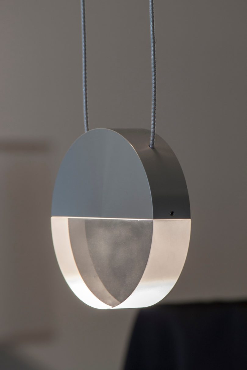 This is balance, a plain yet round luminaire also made of metal and an optical lens