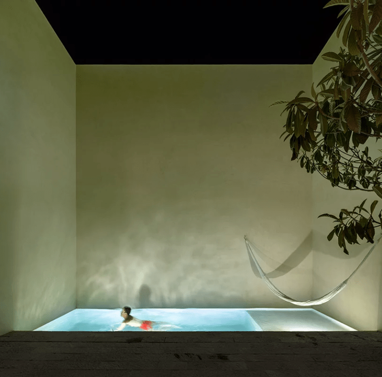 This is how the plunge pool looks at night, isn't it a great oasis