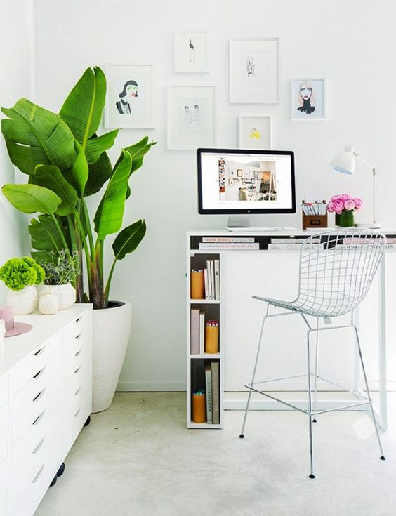 such a tall desk allows standing and much storage inside it to make your workign more comfortable